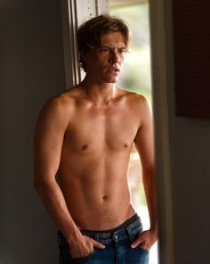 After seeing the movie Adore, Xavier Samuel is my Seth